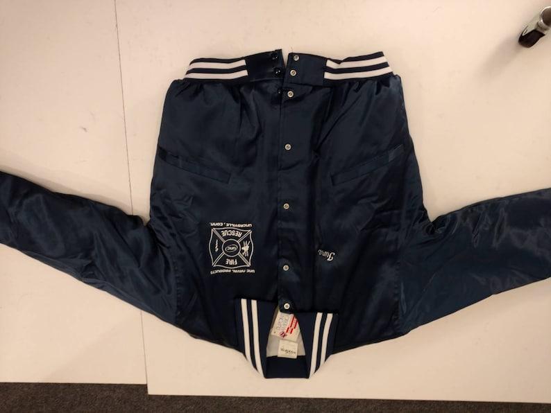Fire Rescue Baseball Jacket XL Men/'s Navy Blue Insulated Windbreaker Vintage 90/'s Cotton Jersey Lining Tuna Uncasville Never Worn