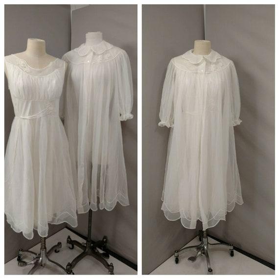1960's Vintage White Peignoir Set 50's 60's Nightg
