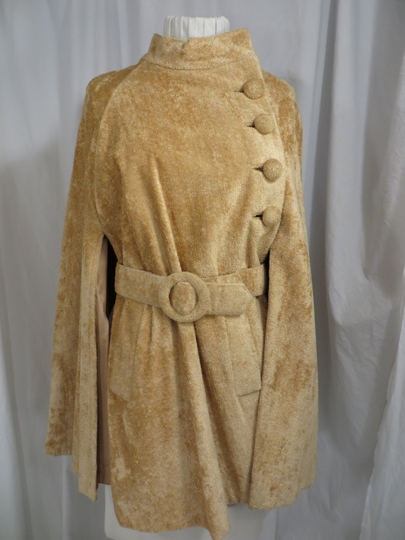 Sixties Glamour Chenille Vintage Cloak Belted Cap… - image 2