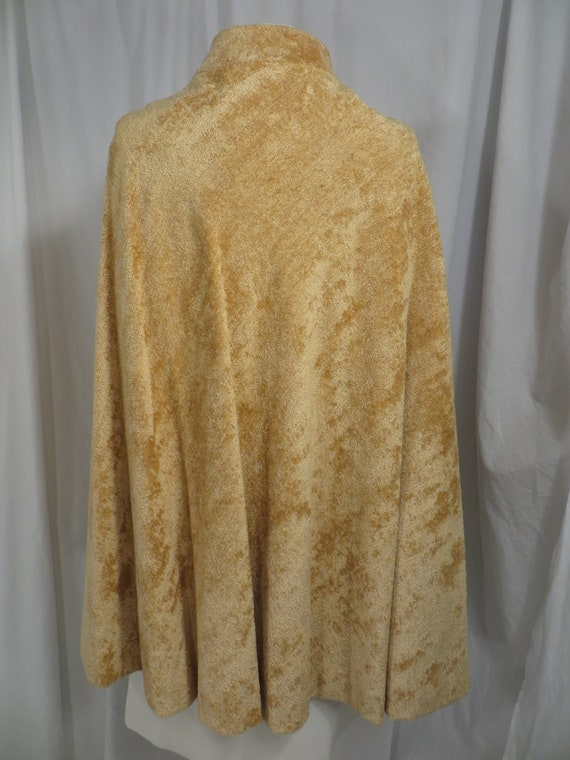 Sixties Glamour Chenille Vintage Cloak Belted Cap… - image 4