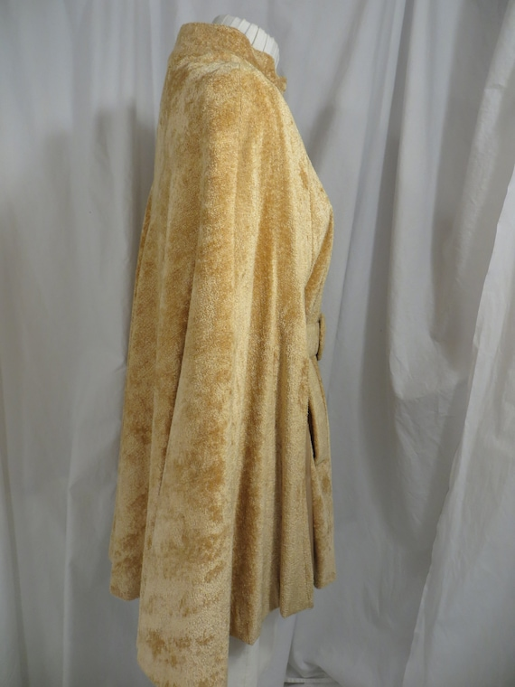Sixties Glamour Chenille Vintage Cloak Belted Cap… - image 3