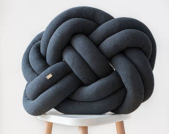 Knot cushion - dark grey melange