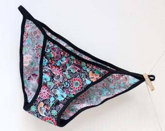 100% Cotton floral panty with black elastic and organic cotton lining