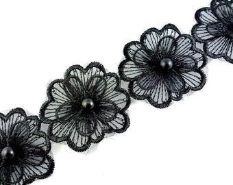 1 M fabric flower lace diameter 4.5 cm with Pearl Center - black