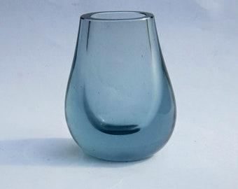 Whitefriars 9537 hambone vase arctic blue, Geoffrey Baxter 1960s, 4.5 inches high