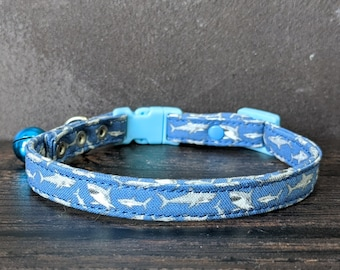 Shark Cat Collar with Breakaway Buckle and Bell