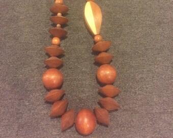 Vintage wood bead 70s Art-teacher style necklace