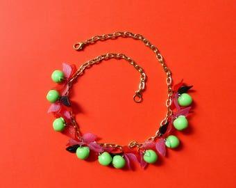Sour apple necklace מחרוזת תפוח חמוץ