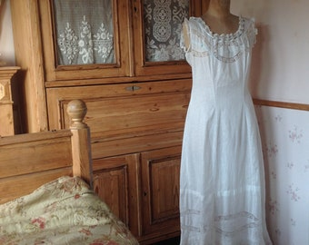 0dc66c589de6 antieke edwardian Victoriaanse slip jurk Nachthemd MEDIUM SIZE