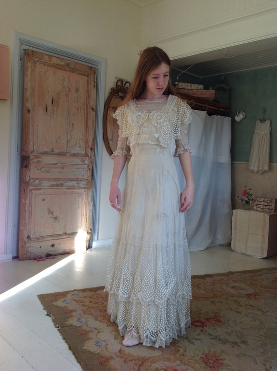 amazing silk and tulle lace wedding gown ....edwar