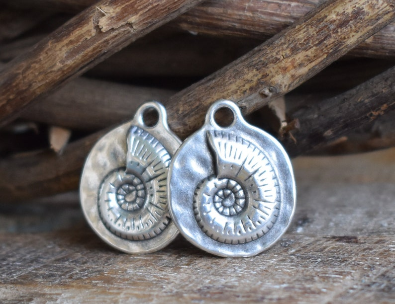 Double sided shell pendant-21mm-Sterling silver palted-Qty 1