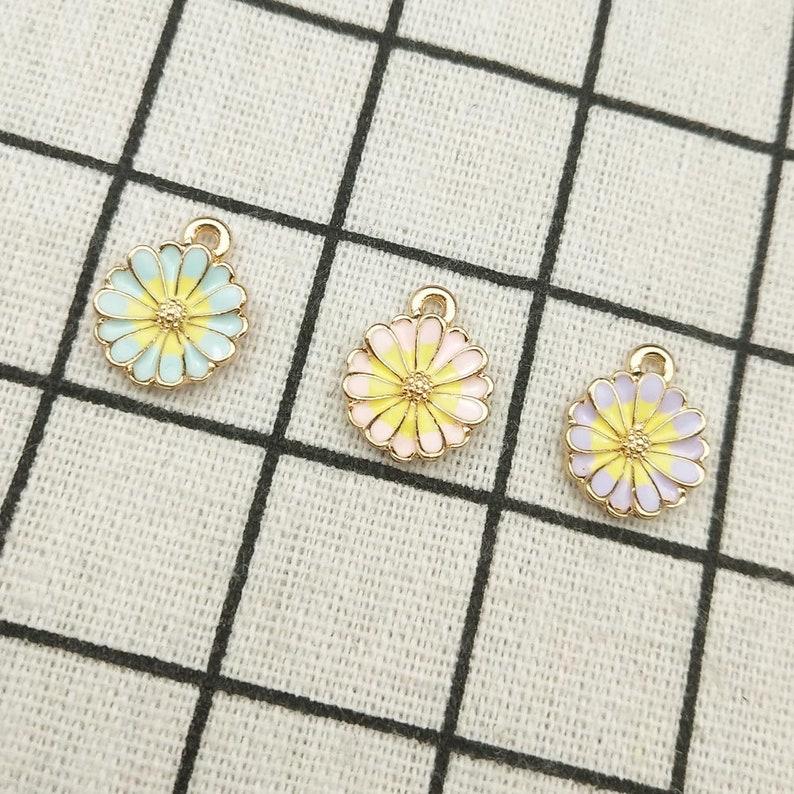 10pcs enamel chrysanthemum charm flower charm garden charm bracelet charm necklace charm craft supplies gold tone 13x16mm