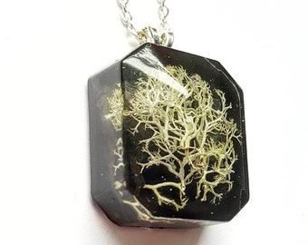 Lichen necklace, resin necklace, wildwood nature jewelry, terrarium jewelry, woodland jewelry, witch jewelry, lichen jewelry, boho jewelry