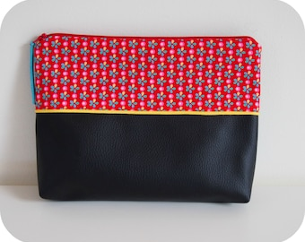 Toiletry bag in faux leather, lined in cotton
