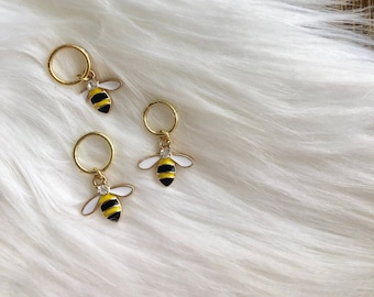 Sweet Bumblebee Stitch Marker, Knitting Supplies, Knitting Notions, Knitting Accessories Progress Keepers, Stitch Markers Gifts For Knitters