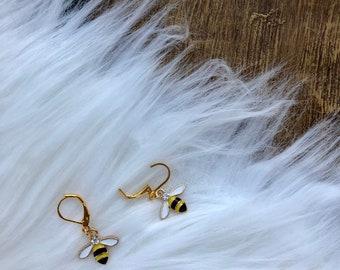 Sweet Bumblebee Stitch Marker, Crochet Supplies, Crochet Notions, Crochet Accessories Progress Keepers, Stitch Markers Gifts For Crocheters