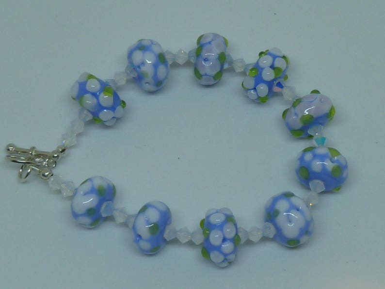 bracelet floralblue and white  sterling silver clasp and image 0