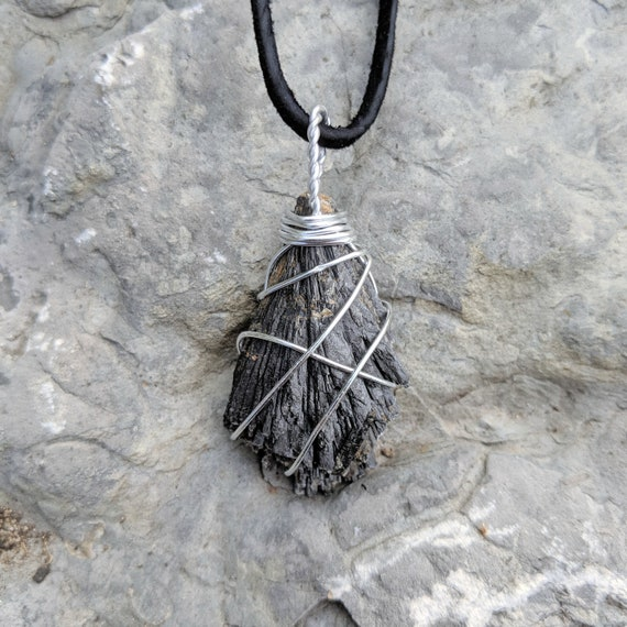 HANDMADE GENUINE BLACK KYANITE FAN PENDANT WITH SILVER DIPPED TOP NECKLACE