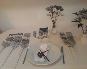Chic black and white table