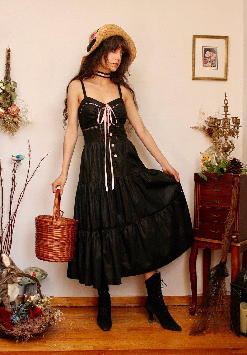 Lolita 70s 1970s Dress Young Edwardian Black and Pink Gothic Corset Dolly Wrap Waist Fairytale Buttons Gunne Sax Style Bow