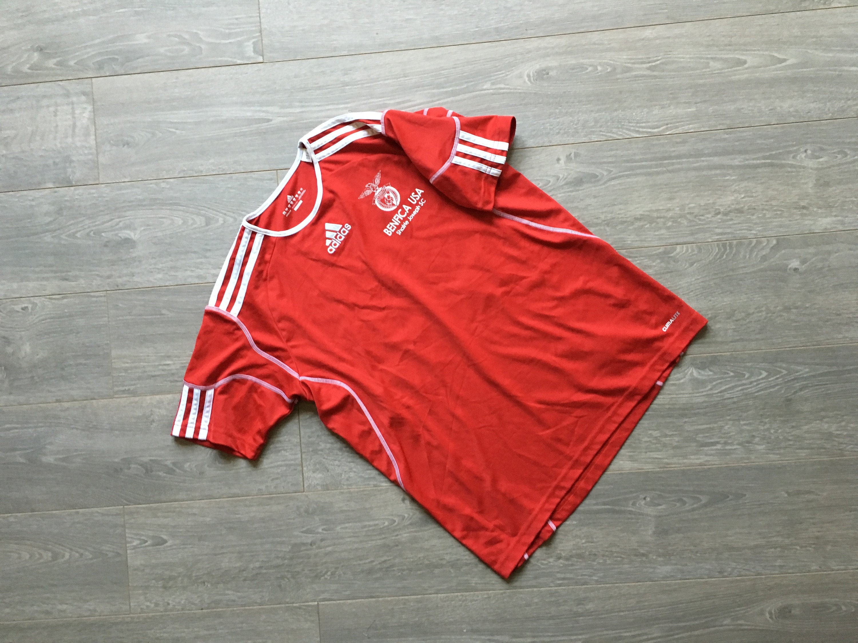 e8f25253a Vintage soccer jersey youth L red adidas shirt youth vintage