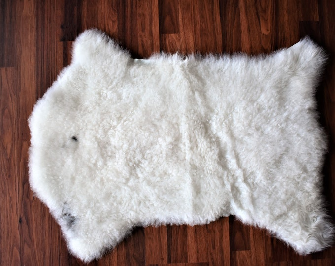 Sheepskin White Throw Genuine Leather Sheep Skin Decorative rug Genuine Sheepskin Rugs - White comfy, cozy, natural