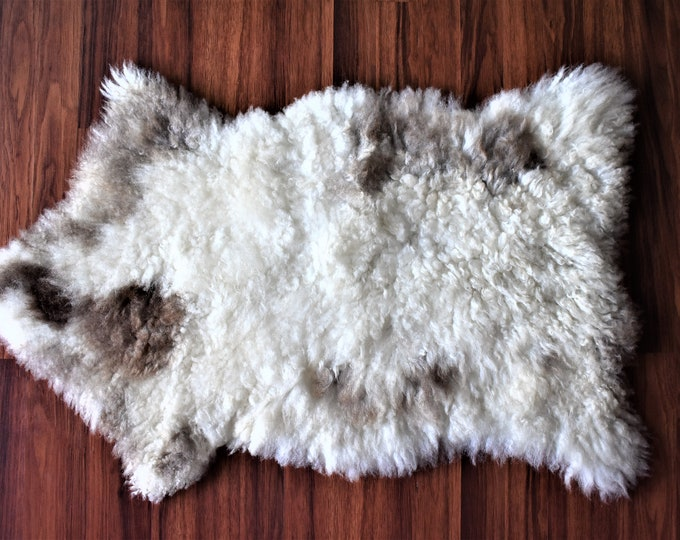 Virus Resistant Locals Grown Eco-Friendly Sheepskin Rug, Ethically Sourced, White Brown