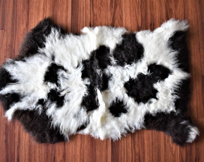 BESTSELLER Original Black White Genuine Natural Sheepskin Rug Genuine Sheepskin Rugs, Large Sheepskin Dog Bed, Woolen Dog Bed Mat, Pet Dog