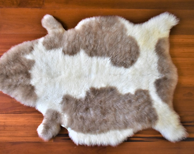 Swedish Farmhouse Sheepskin Pelt, Soft Sustainable Home Decor Sheepskin Throw
