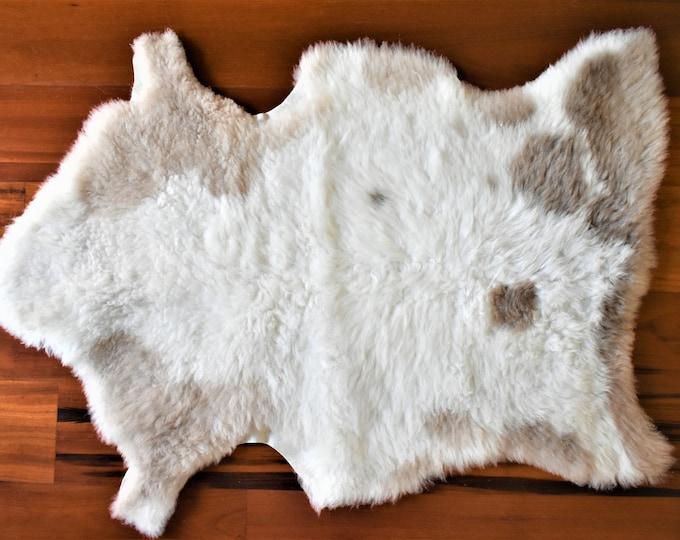 Sheepskin Rug, Cream Beige Throw, Genuine Leather, Sheep Skin, Decorative rug, Genuine Sheepskin Rugs, Comfy, Cozy, Natural