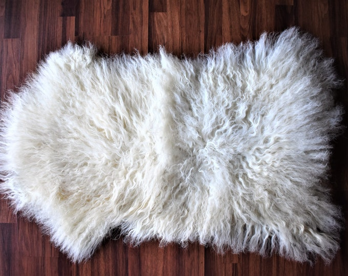 Genuine Sheepskin Rugs Unique Lamb Sheepskin, Lambskin Rug, Pelt, Throw, Blanket Creamy White Real Sheepskin Throw