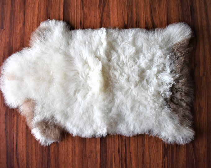 Sheepskin Throw, Fabulous Sheepskin Pelt, Virus Resistant and Ethically Sourced Swedish Rug, White Brown