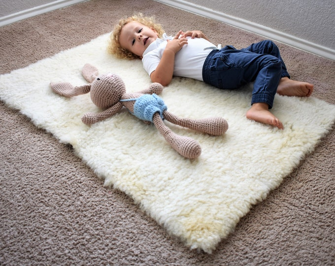 White Sheepskin Toddler Play Mat, Kids Play Rug, Activity Rug, Toddler Holiday Gift