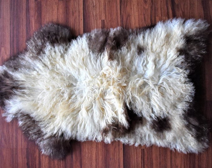 Icelandic Genuine Sheepskin Rug, White Cream Brown Single Pelt, Sheep Skin Rug, Sheepskin Throw, Long Wool