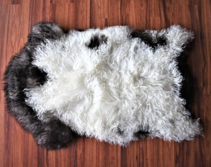 """Virus Resistant Scandinavian Decor Sheepskin Pelt, Ethically Sourced in Europe, White Black , 2'3""""x3'6"""""""