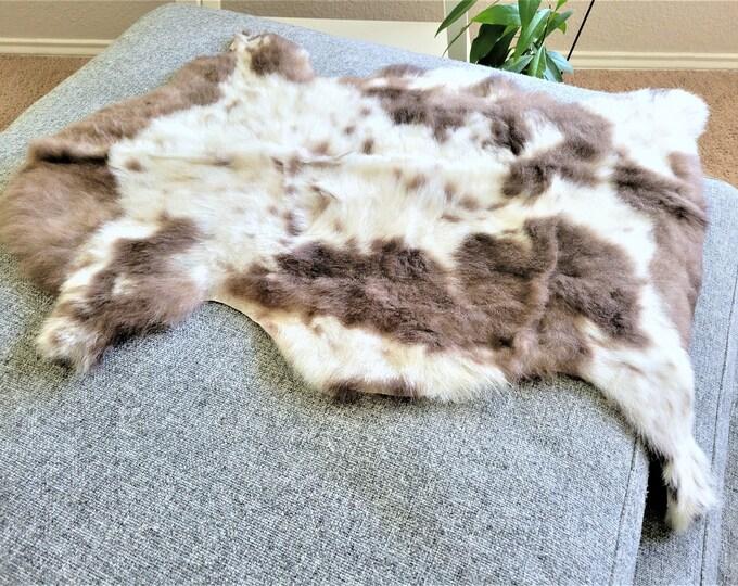 Calming Sheepskin Throw, Soft Wool Sheepskin Pelt, Cream Brown Wool Charming Rug, 23 x 33 in.