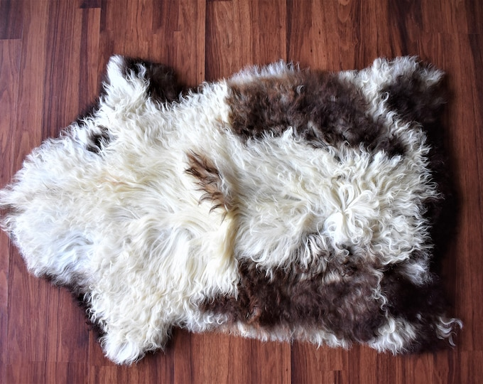 "Virus Resistant Scandinavian Decor Sheepskin Pelt, Ethically Sourced in Europe, Cream Brown , 2'0""x3'0"""