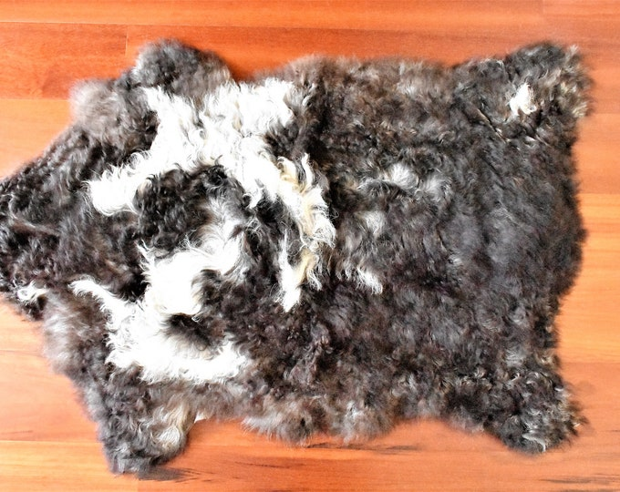 Sheepskin Rug, Brown White Throw, Genuine Leather, Sheep Skin, Decorative rug, Genuine Sheepskin Rugs, Comfy, Cozy, Natural