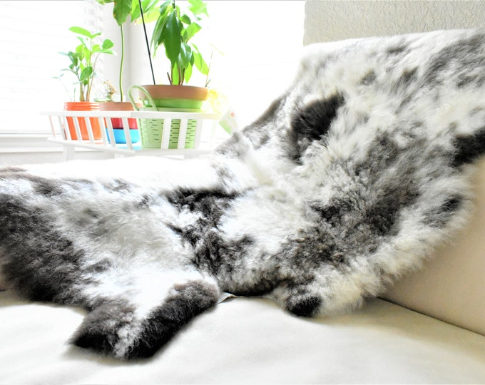 Charming  Wool Sheepskin Rug, Soft Ethically Sourced Sheep Skin, Rustic Decor, Sheep Skin Rug
