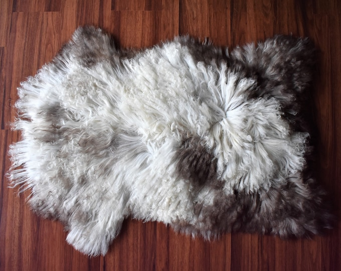 "Virus Resistant Sustainable Sourced Bio-Friendly Sheepskin Rug, Imported, Cream Brown Long Wool, 2'2""x3'2"""