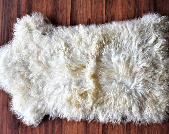 ON SALE Creamy Sheepskin | Icelandic Sheepskin | Real Sheepskin Rug | Icelandic Sheepskin rug| Shaggy Rug | Chair Cover | home decor | white