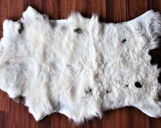 Genuine Sheepskin Rug Unique Lamb Sheepskin, Lambskin Rug, Pelt, Throw, Blanket Creamy White Brown Real Sheepskin Throw