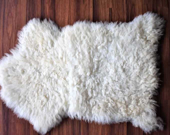 Genuine Sheepskin Rug Wool Chair Pad in White Sheepskin Stool Cover | Chair Cover | Scandinavian Decor | Seat Pad