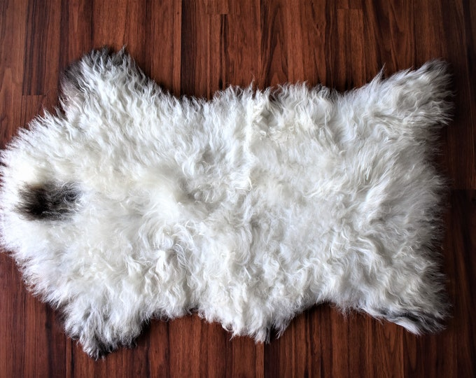 Beautiful White Genuine SHEEPSKIN Rug | Natural Humanely Sourced | White Sheepskin Throw | Scandinavian Style Rustic Home Decor