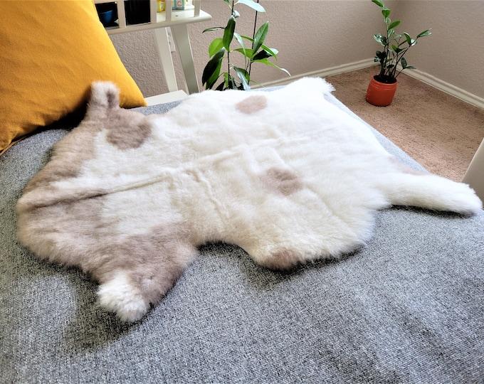 Real Sheepskin Rug, Icelandic Sheepskin, Genuine Sheepskin, Sheepskin Rug, Sheepskin Pelt, Cream Brown Soft Wool, 25 x 31 in.