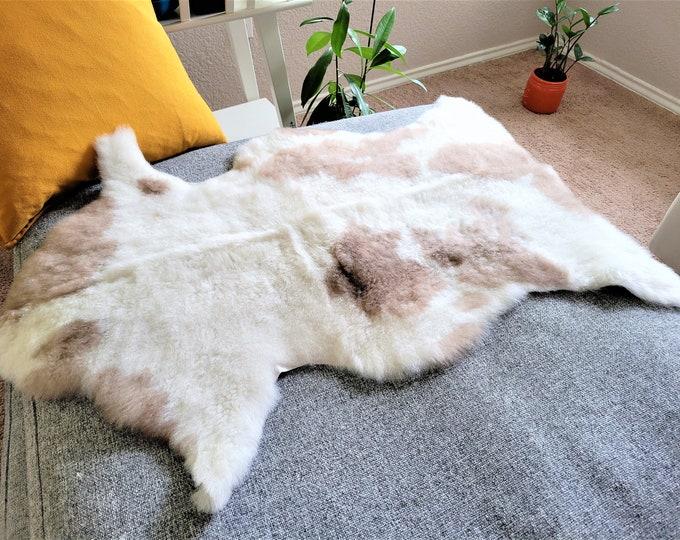 Sheepskin Rug, Sheep Skin, Rug, Chair Cover, Scandinavian, Genuine Sheepskin, Real Sheepskin, Rugs, Sheepskin Throw, Bed Throw, 25 x 37 in.