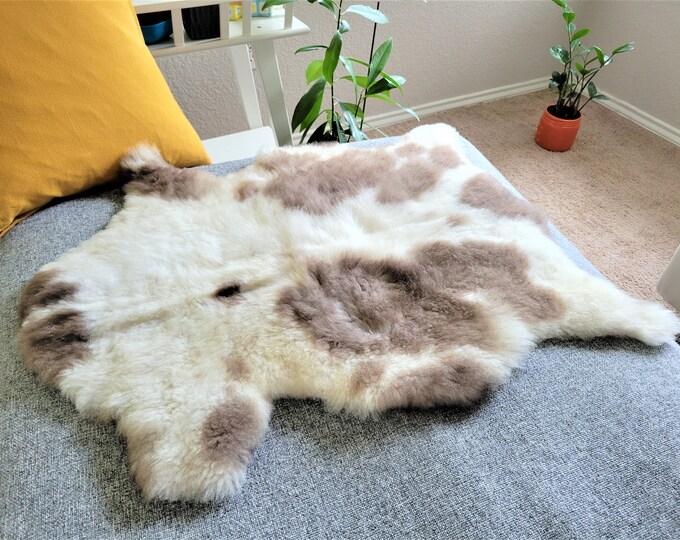 Real Icelandic Genuine Sheepskin Rug , Brown Cream Wool Charming Rug, 25 x 31 in.