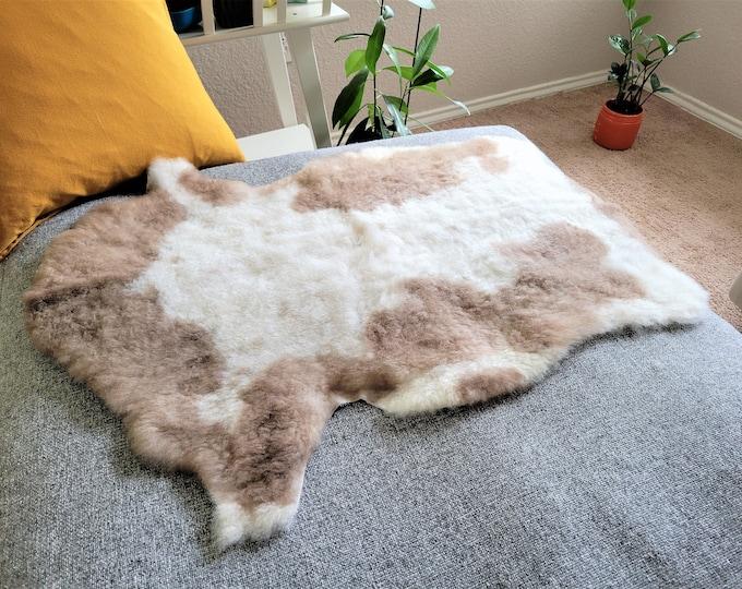 Sheepskin Rug, Sheep Skin, Rug, Chair Cover, Scandinavian, Icelandic Sheepskin, Real Sheepskin, Rugs, Sheepskin Throw,Bed Throw, 20 x 33 in.