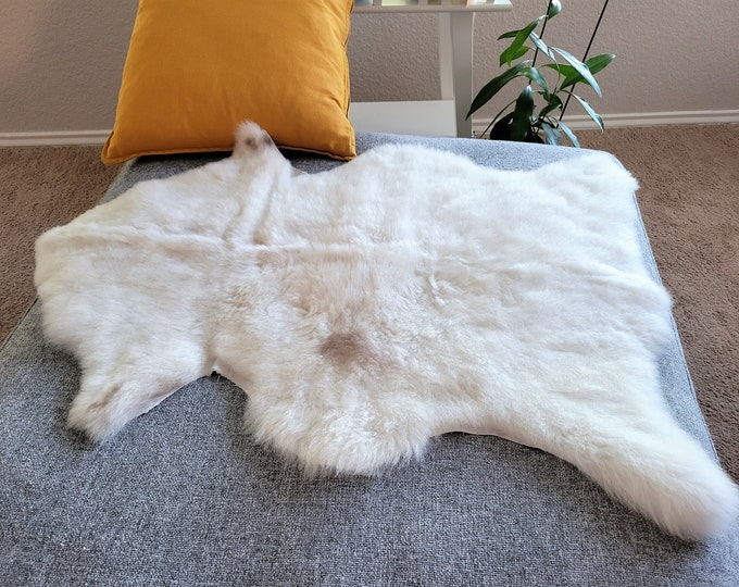 Sheepskin Pelt, Sheepskin Throw ,White Brown Wool, 27 x 37 in.