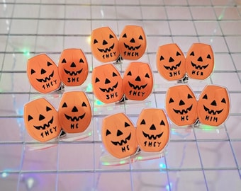 Pumpkin Pronoun Pin